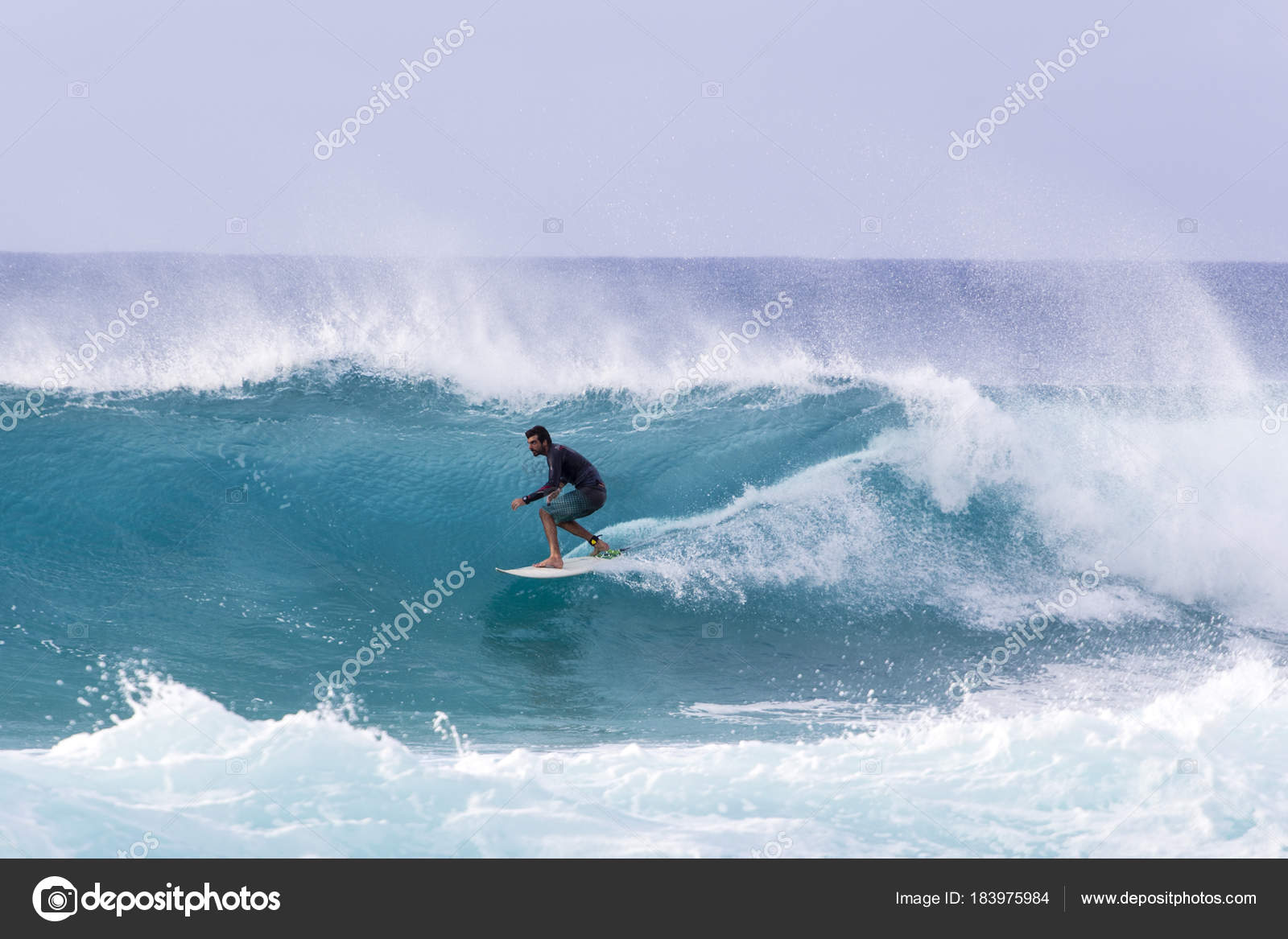 753582a33c Surfing the raging waves of Banzai Pipeline – Stock Editorial Photo ...