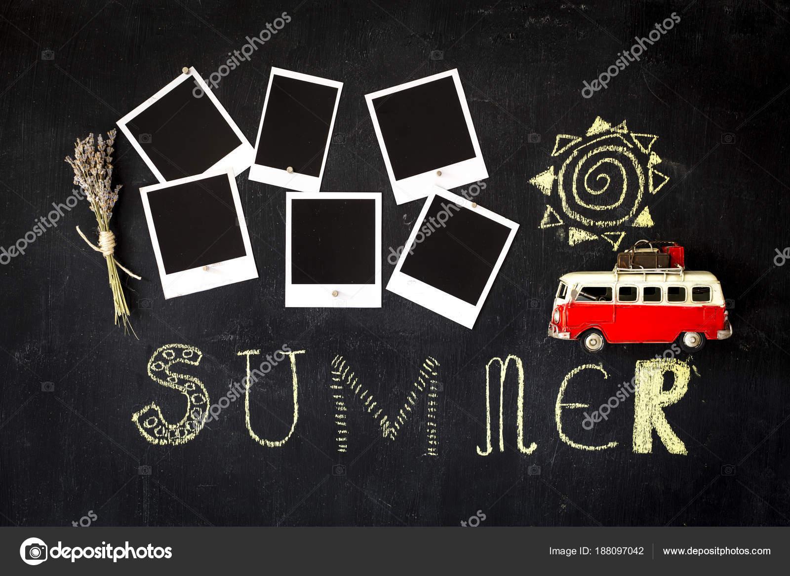 Sommer-Thema-Tafel mit leeren Retro-Bilderrahmen und ein vint ...