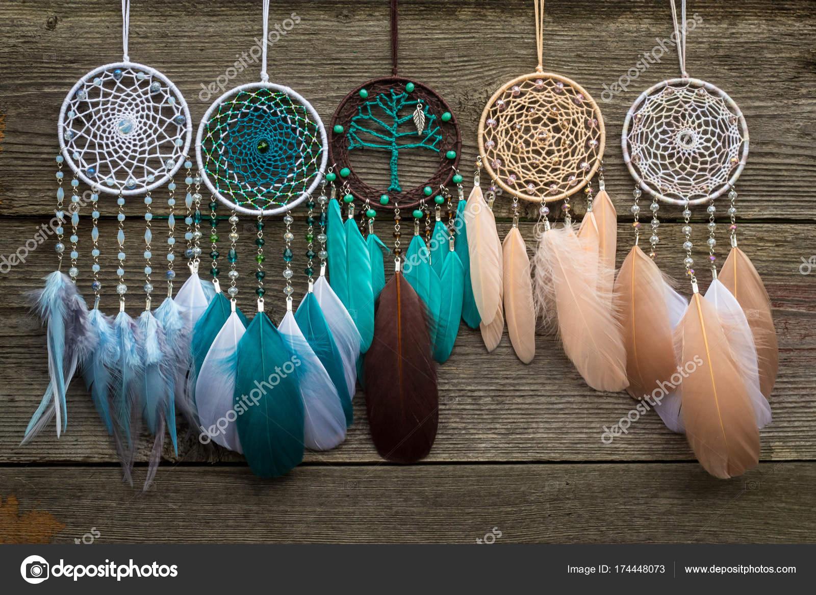 Atrapasueños hechos a mano con cuerda de hilos y abalorios de plumas ...