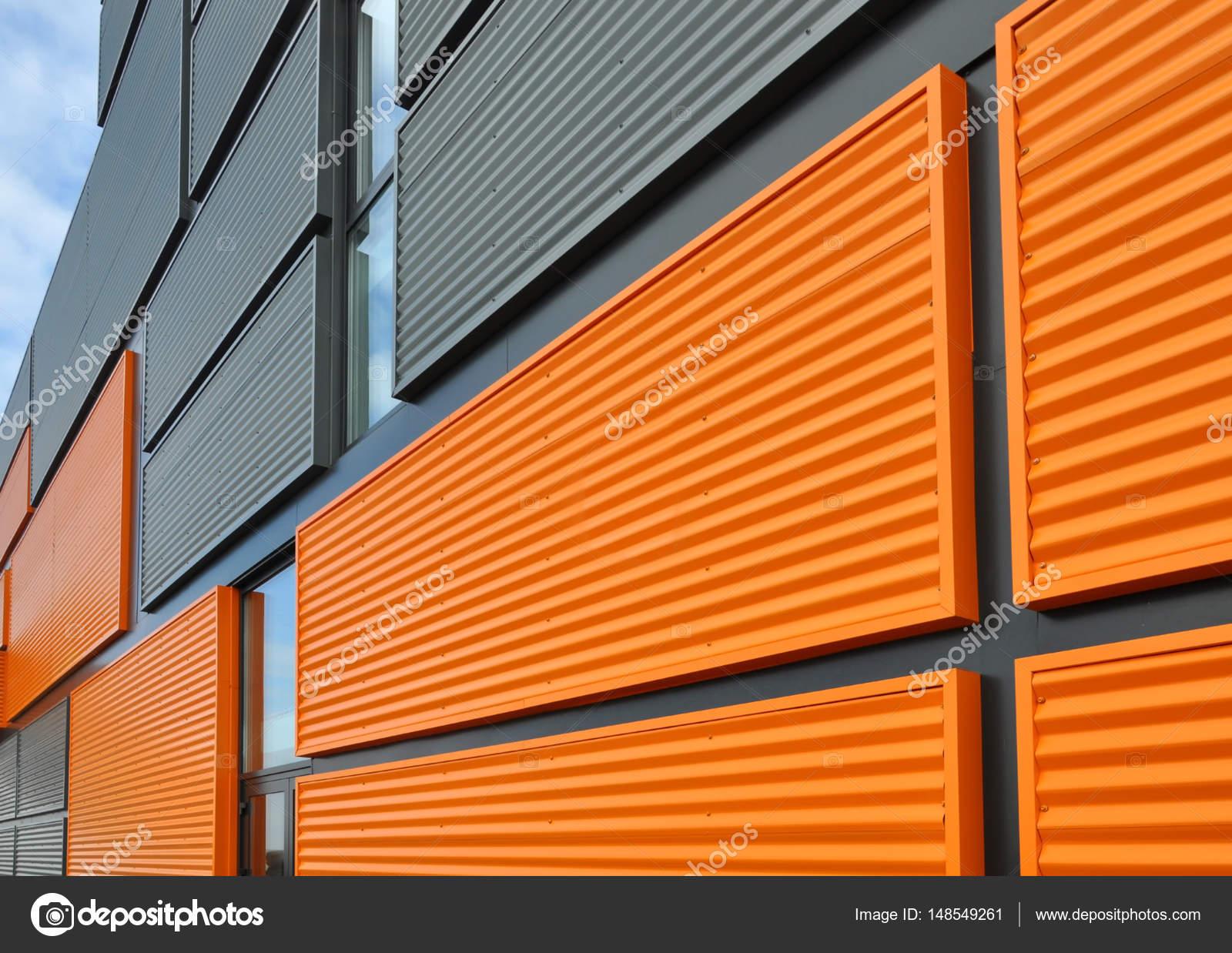 Famosos Fachada de painel laranja e preto — Stock Photo © struvictory  HS24