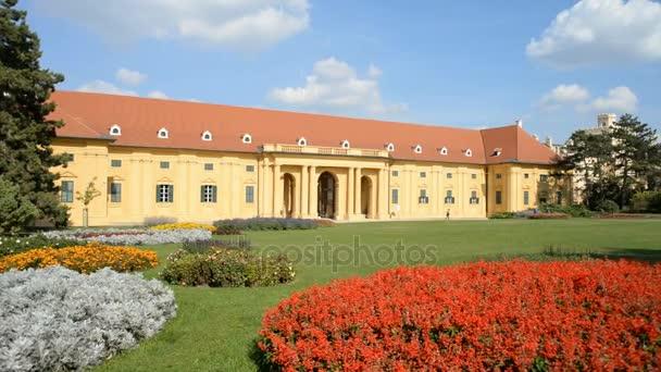 Zahrada u zámku Lednice v České republice