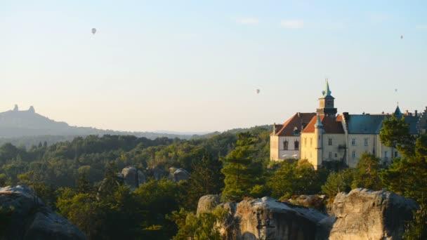 Zámek Hrubá Skála v České republice