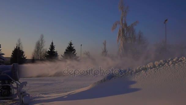 Beschneiung ist die Produktion von Schnee