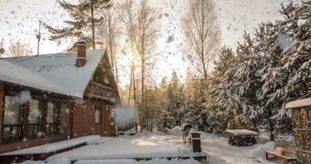 Noc sníh na horách - zimní dům