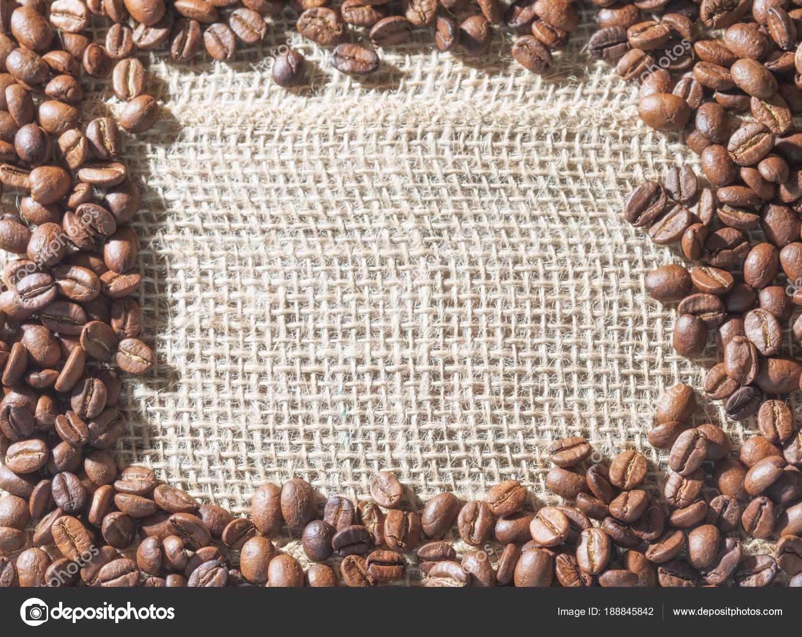 Café oro posicionado como un marco en una arpillera con un e — Fotos ...