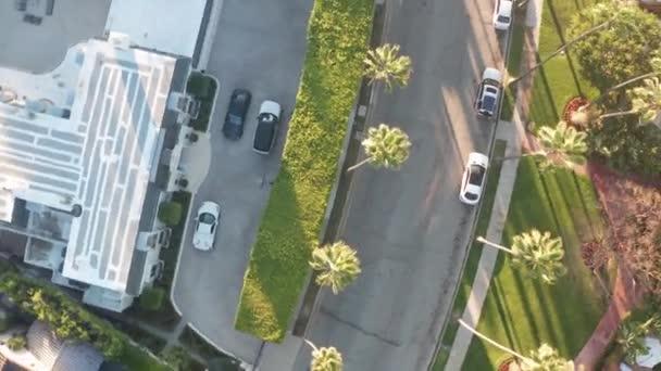 Lenyűgöző légi kilátás Beverly Hills környéken, Beverly Hills Hotel, és Sunset Boulevard körül pálmafák Los Angeles, California.