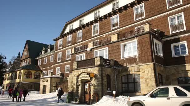 Beskydské hory historické kamenné, resort zima, lidé