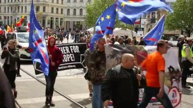 Března radikálních extrémistů, proti Evropské unie, Eu