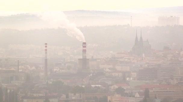 Smog v Brně, prachu ve vzduchu, kalamita vážná situace