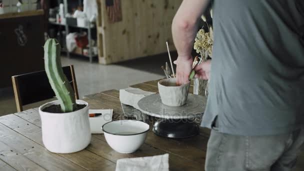 Proces tvorby řemeslník hliněné keramické dílny