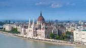 Városkép panorámás kilátás a magyar parlamenti - cur