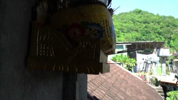 Vonné tyčinky s kouře asijské obřad na přírodní pozadí