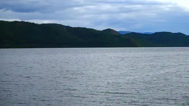 pohled na Loch Ness