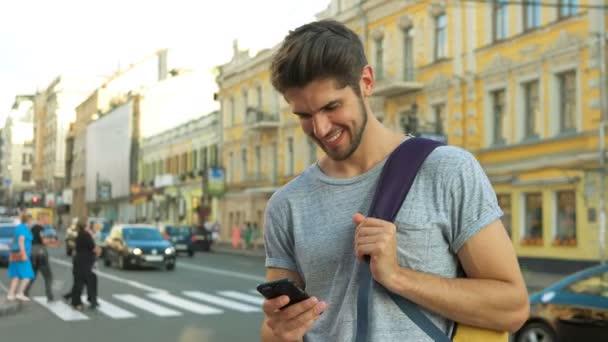 Hasil gambar untuk tourist using phone