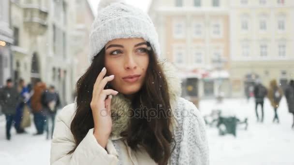 pornushku-massazh-devushki-govorite-pryamo-foto-pri-muzhe