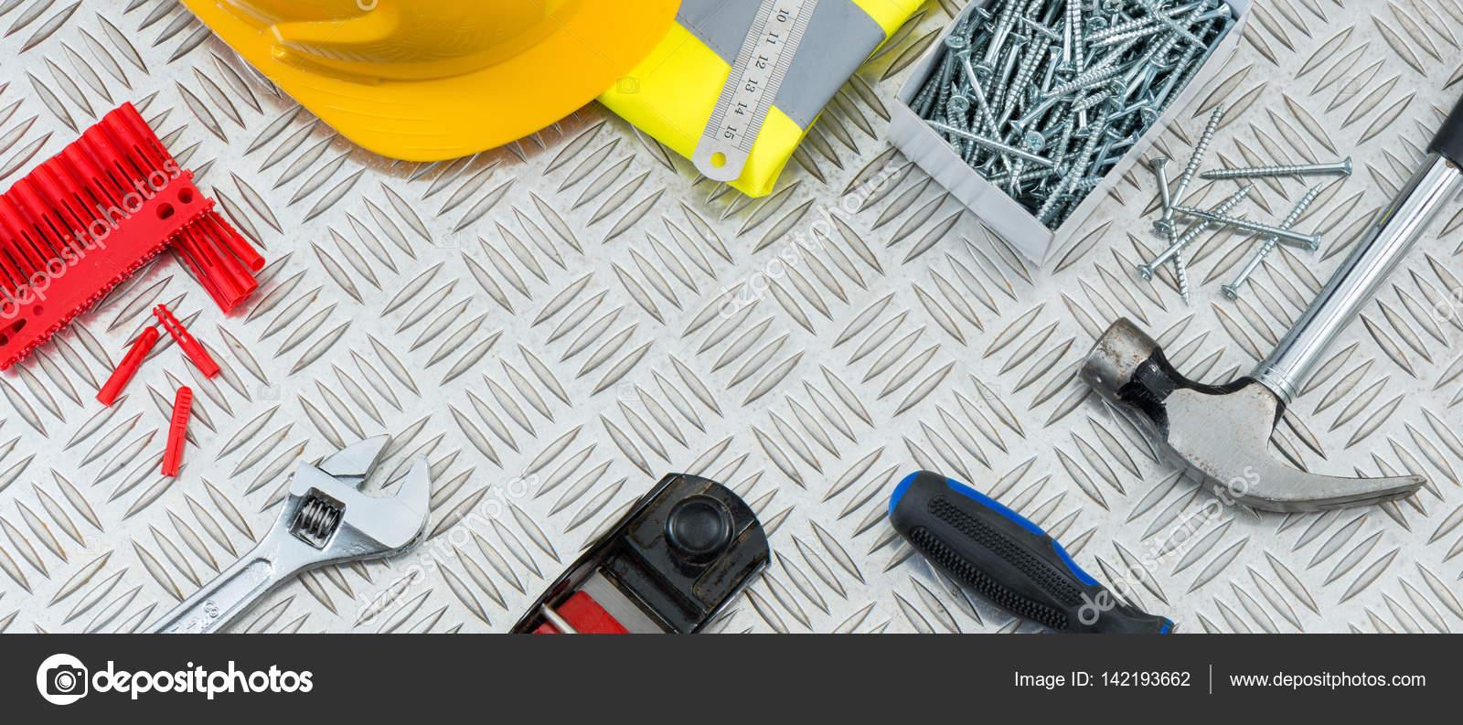 Herramientas de construcción en placa de acero Checker con copia ...