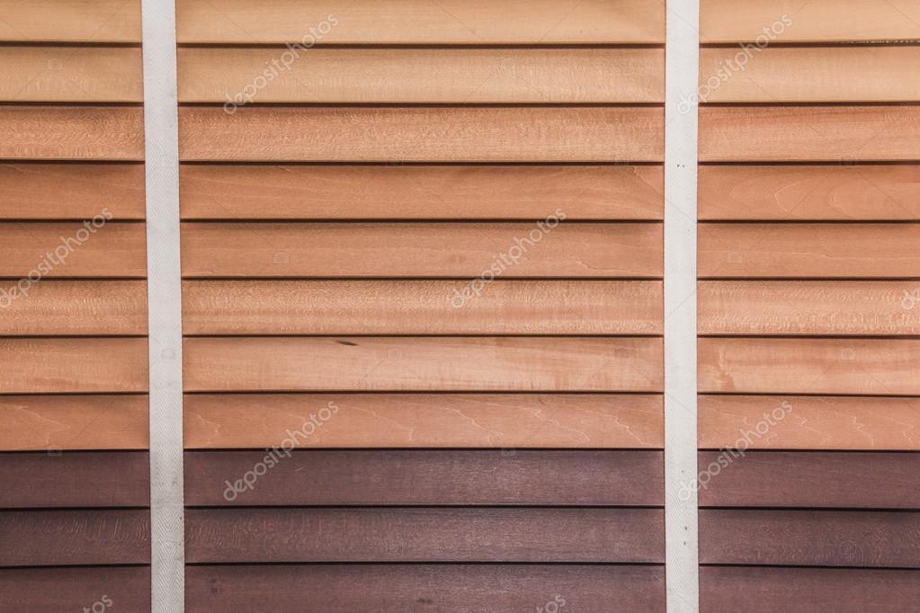Gros Plan De Fenêtre En Bois Jalousie Photographie Ostser7