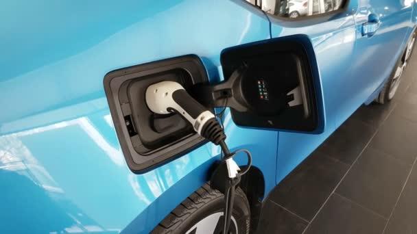 Elektrický automobil má energie v Evropě a vypadá docela neobvyklé