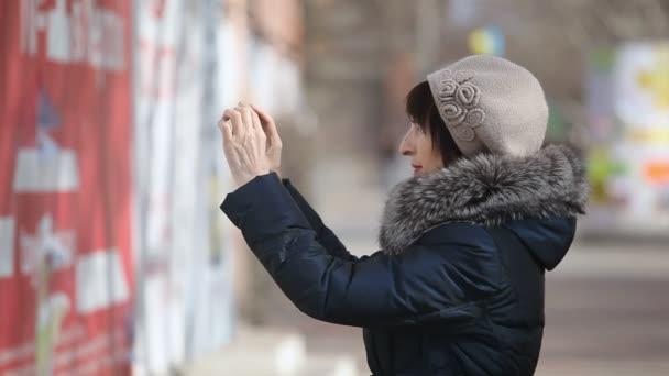 Видео в возрасте на улице158