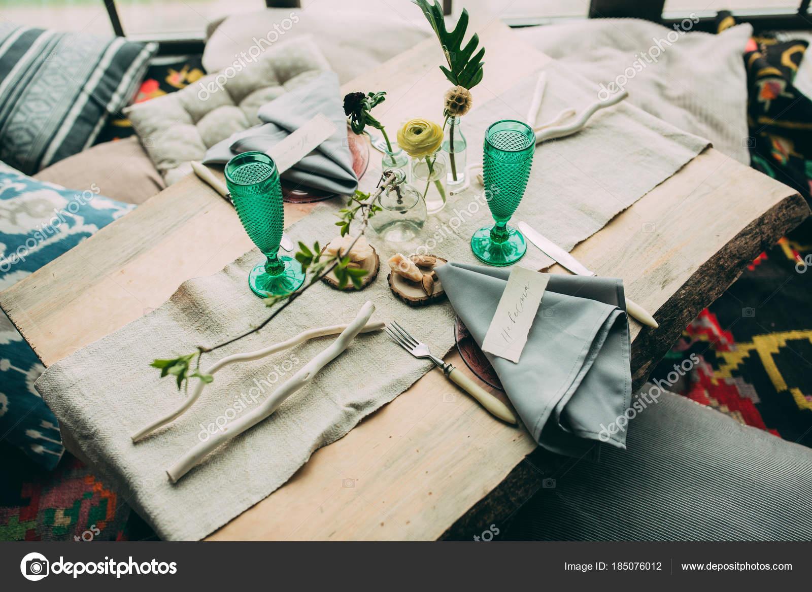 Romantisches Abendessen Fur Zwei Tischdekoration Stockfoto