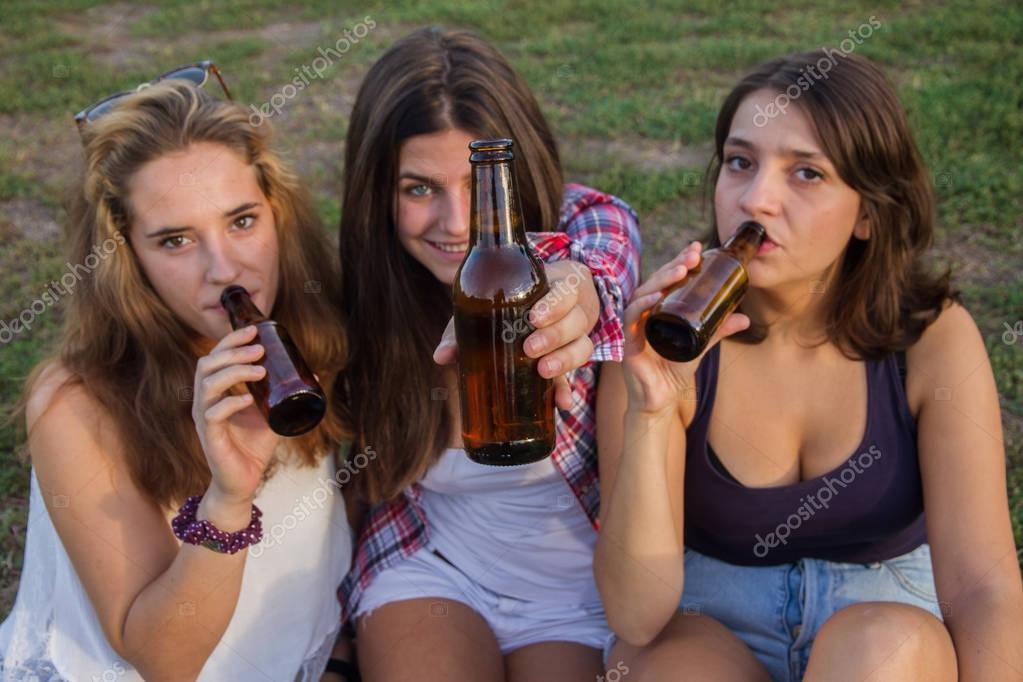 porn-bitch-teens-drinking-porn-jameica