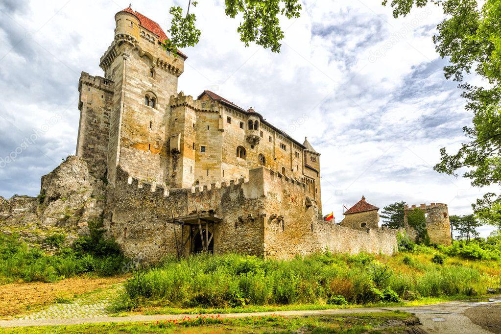 Castello medievale in austria foto stock svetlana195 for Piani di casa castello medievale