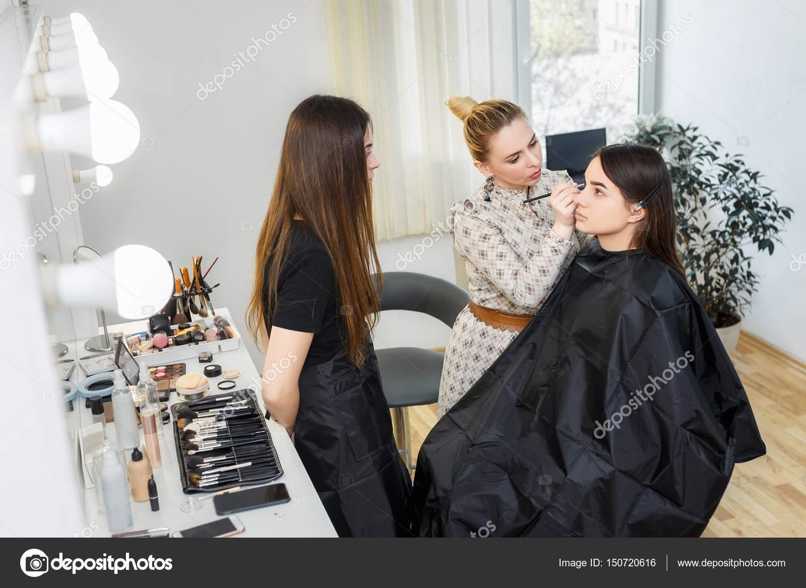 how to become a beauty teacher
