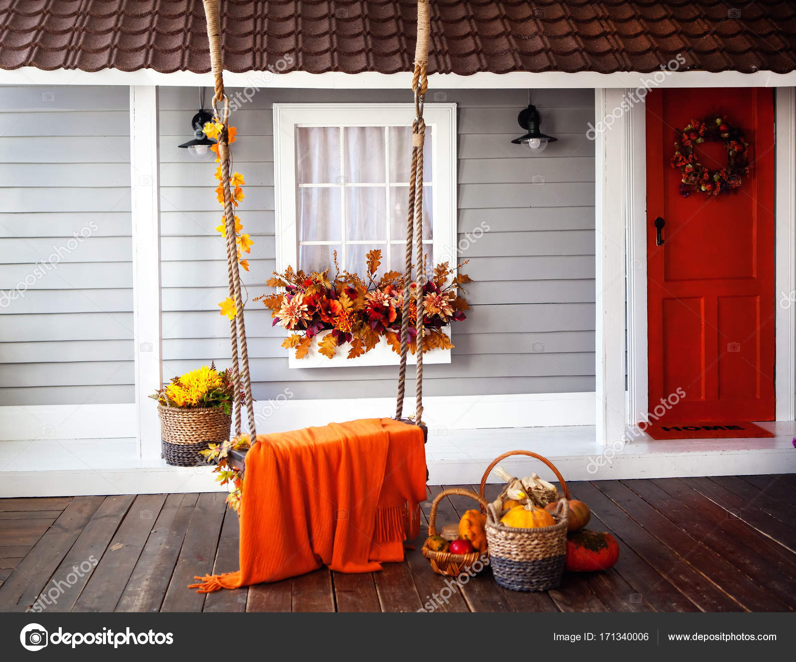 https://st3.depositphotos.com/5825392/17134/i/1600/depositphotos_171340006-stockafbeelding-interieur-van-een-herfst-patio.jpg