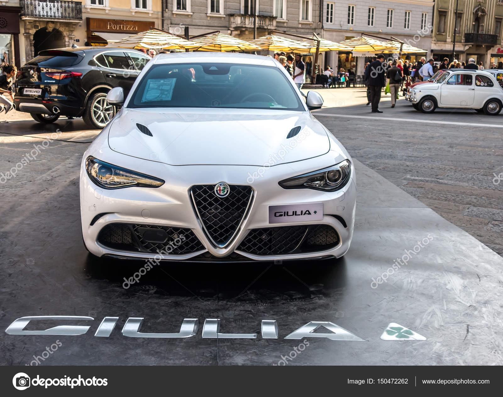 Trieste Włochy 31 marca 2017 r Salita dei Campioni Autoshow Alfa