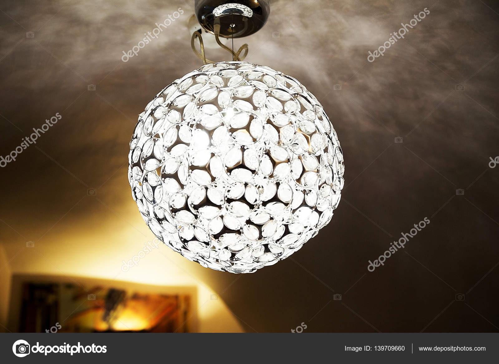 Kristall Kronleuchter Günstig Kaufen ~ Runde mode kristall kronleuchter u stockfoto ribalka