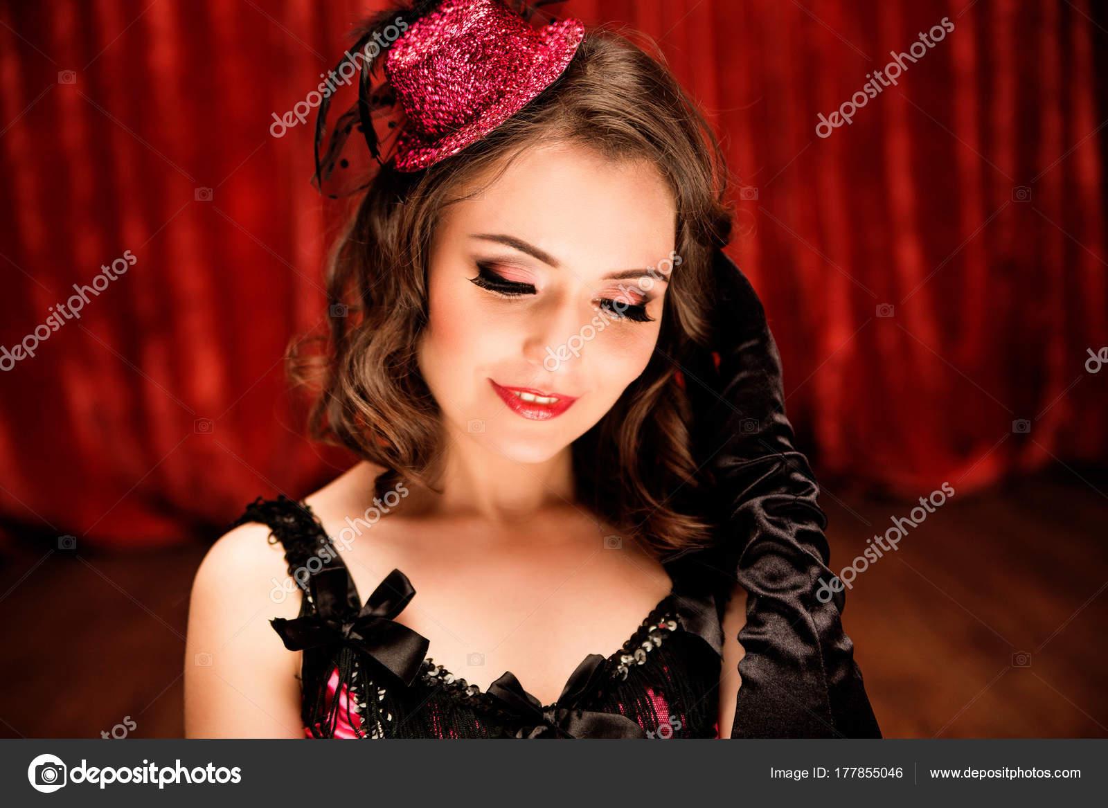 Танцовщицы и модели с большими жопами на фото, сабрина саброк голая смотреть видео онлайн
