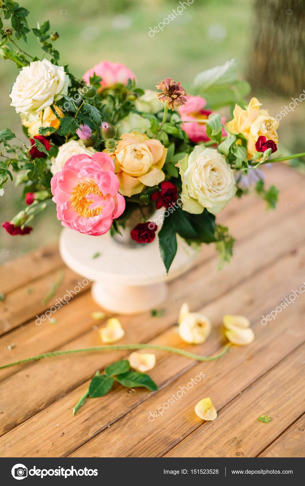Bouquet Flores Regalos Y Arreglos Florales Concepto