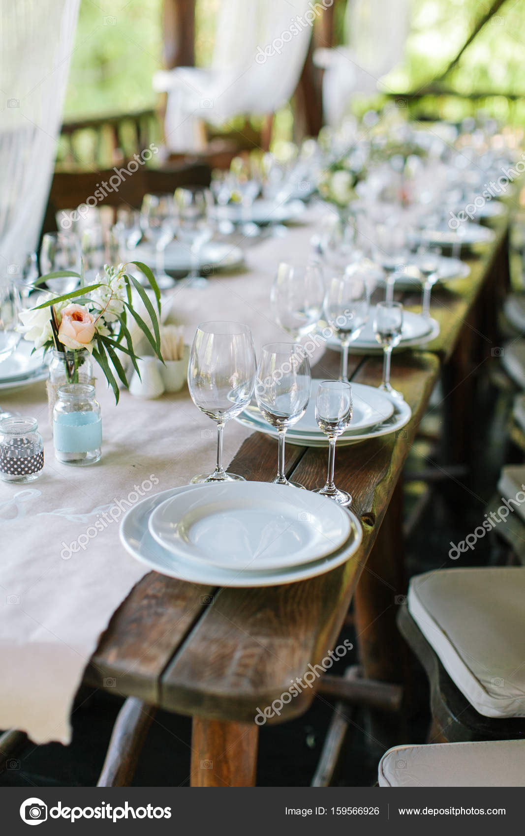 Glaser Auf Die Festliche Tischdekoration Hochzeit Tischdekoration