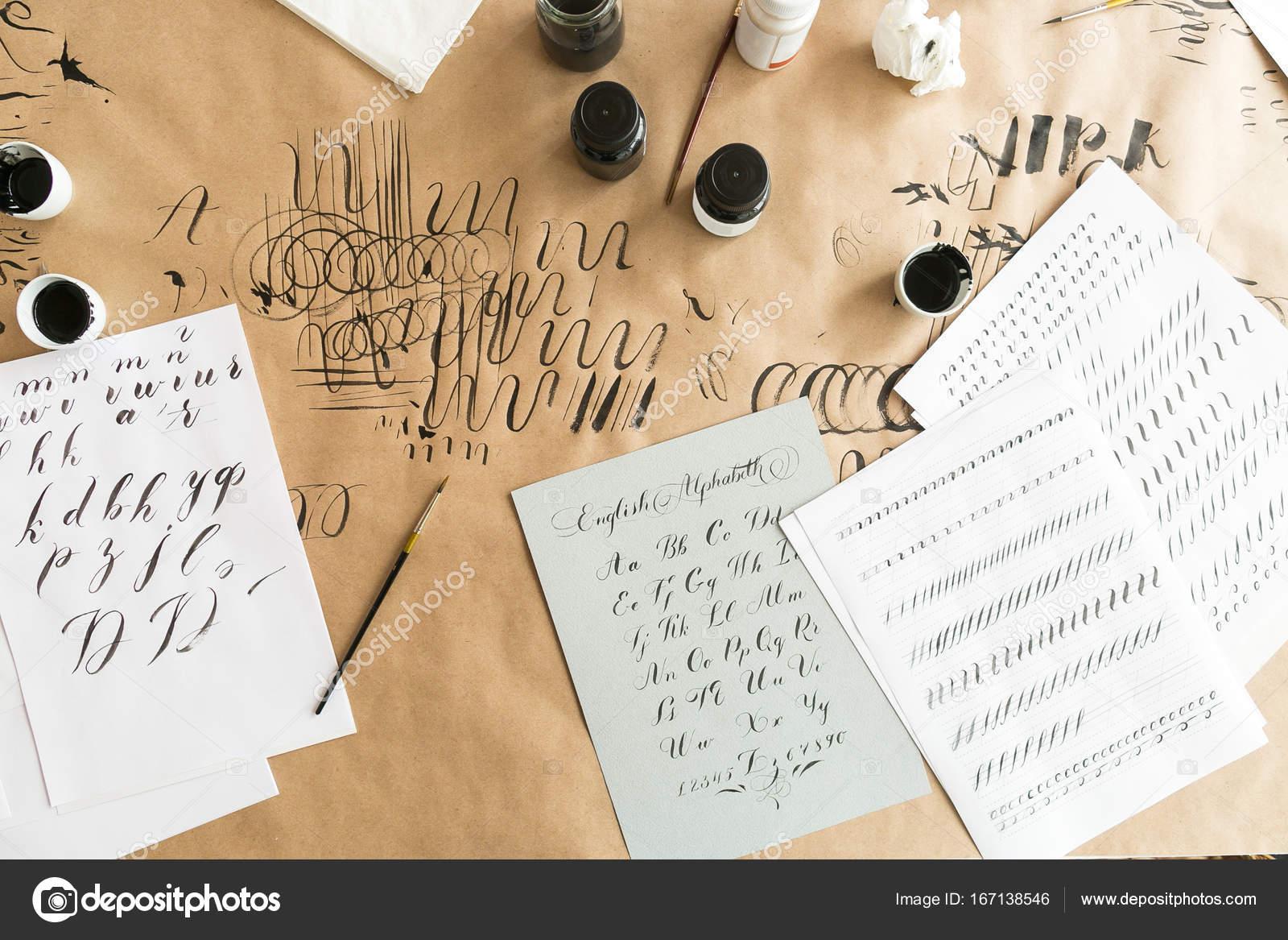 schriftzug sch pfung das konzept der arbeit papier mit bettw sche f r ausbildung f higkeiten. Black Bedroom Furniture Sets. Home Design Ideas