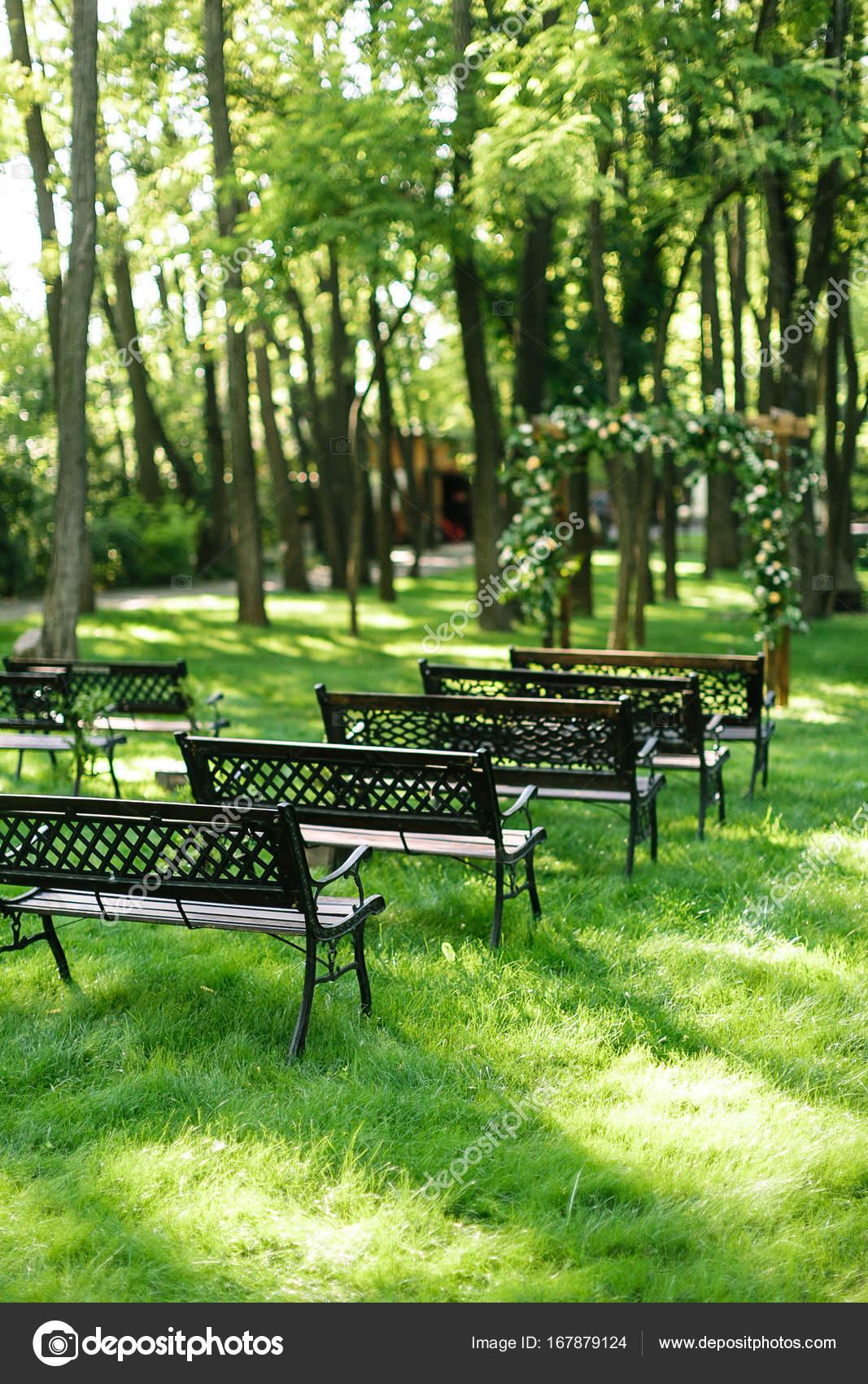 medio ambiente, plantar, concepto de muebles. bancos de jardín ...