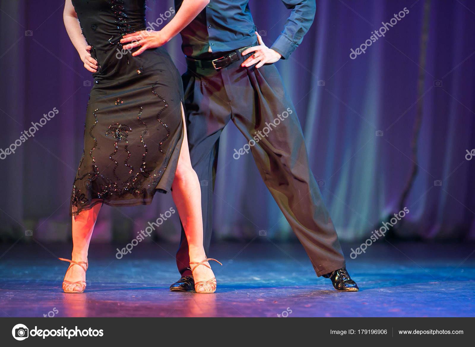baile, hobby, concepto de concierto. pareja activa del hombre y la ...