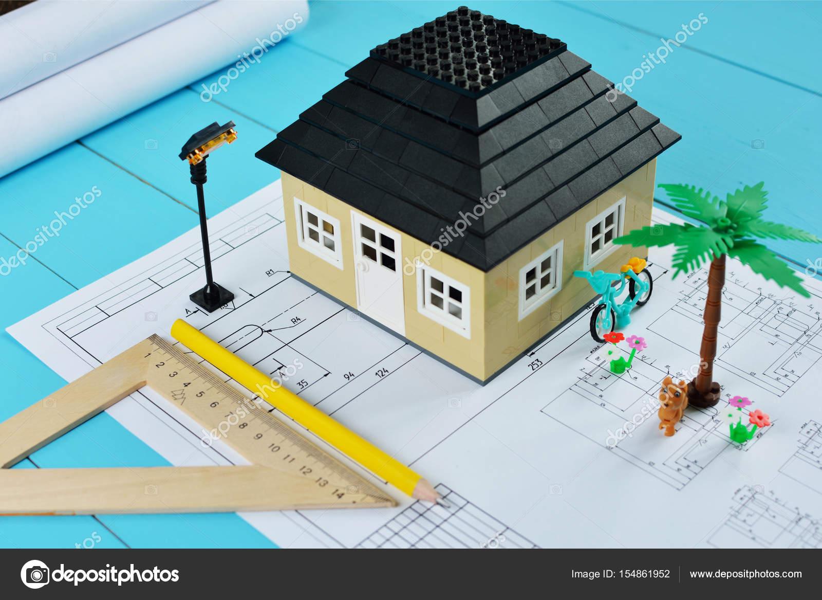 Layout della casa nei disegni di sfondo concetto di for Aprire i piani casa artigiano concetto