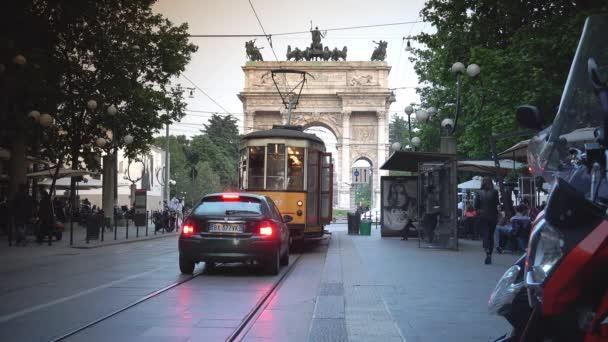 Milan, Itálie, cca květen 2016: Arco della Pace, vítězný oblouk v Parco Sempione, Milán, Itálie, Ultra Hd 4k, reálném čase, Lupa