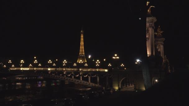 Redakční-Paříž-květen 2016: úchvatný noční pohled na Pont Alexandre III, Ultra HD 4k, reálný čas, Lupa, noční výhled
