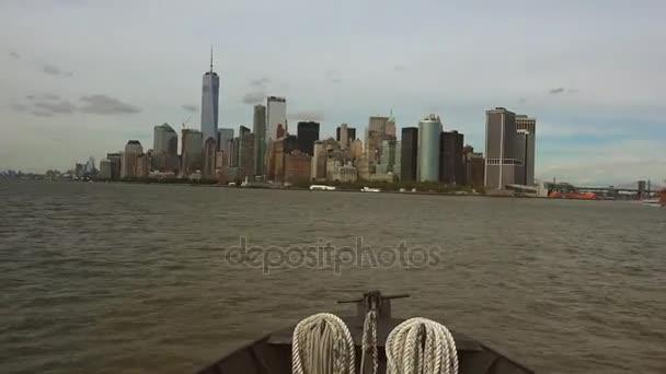 New York: Výhledem na panorama New Yorku vidět z plavidla, časová prodleva, ultra hd 4k