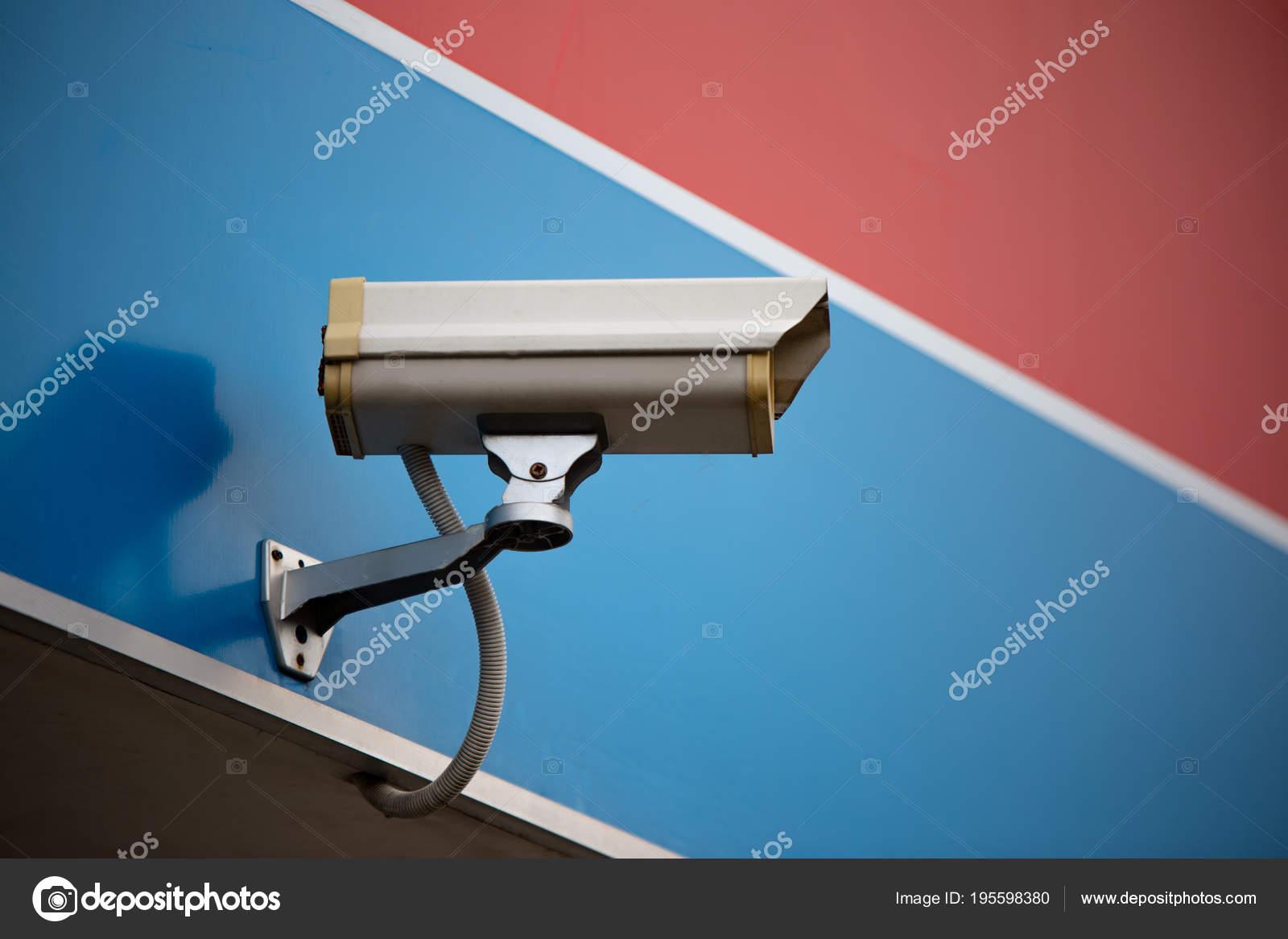 Vista Ângulo Baixo Sistema Segurança Cctv Câmera Vigilância Parede Edifício  — Fotografia de Stock d8b81a82c7
