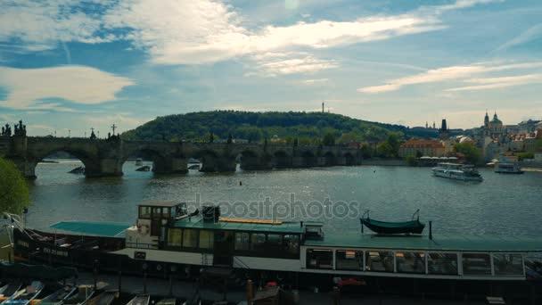 Karlův most a Pražský hrad v České republice, Česko