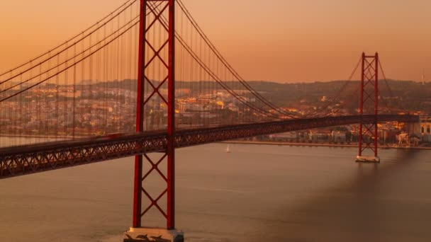 Ponte 25 de Abril bridge, Lisbon, Portugal