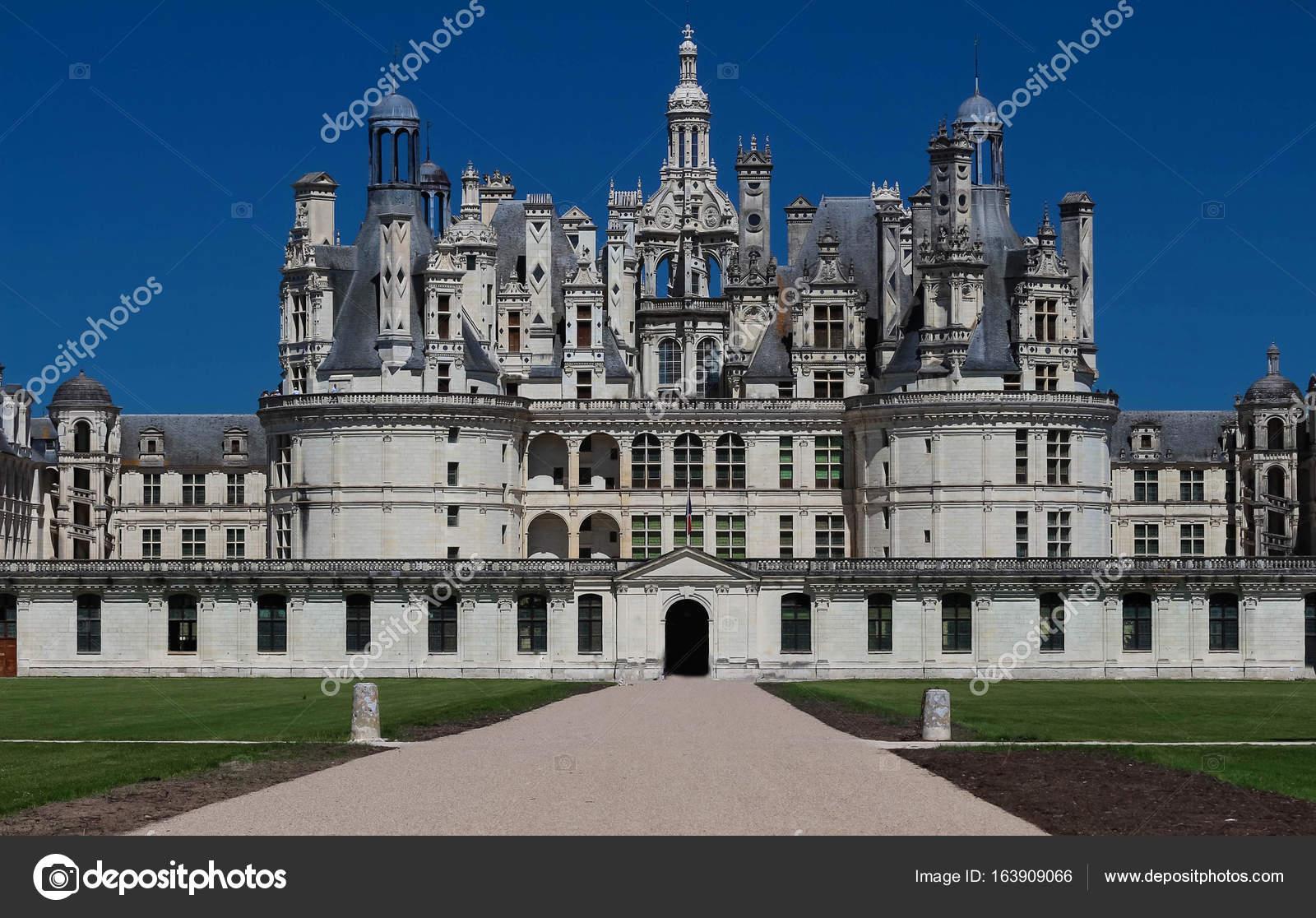 El castillo de chambord en el valle del loira francia construido en 1519 1547 foto editorial - Castillo de chambord ...