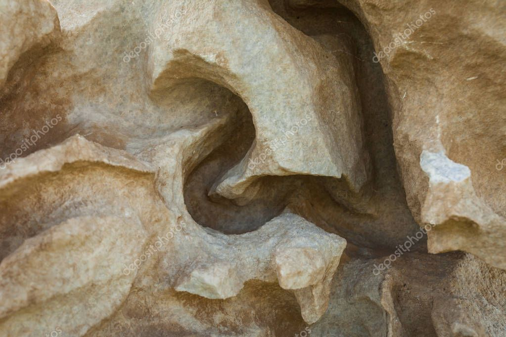 the pattern of the sandstone rocks created by water