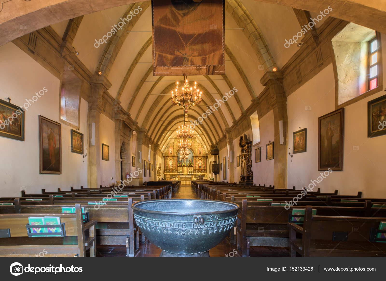 Photos: carmel mission basilica   CARMEL-BY-THE-SEA, CALIFORNIA - April 27,  2017: The Basilica of Mission San Carlos Borromeo Del Rio Carmelo – Stock  Editorial Photo © yhelfman #152133426