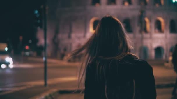 Risultati immagini per жінка італія