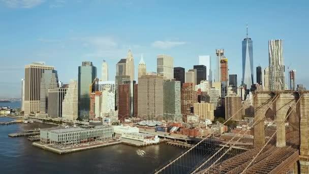 Légifelvételek az amerikai fővárosa. A keleti folyó Manhattan, New York-i Brooklyn-híd.