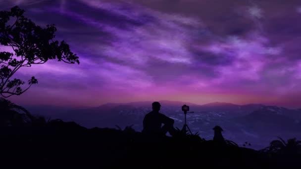 Fotograf střílí magické východ slunce v horách