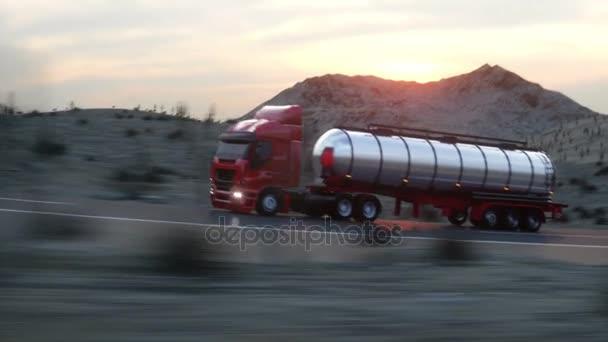 Benzintanker, Ölanhänger, LKW auf der Autobahn. sehr schnelles Fahren. Realistische Auto-Animation.